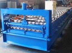750型彩钢压瓦机