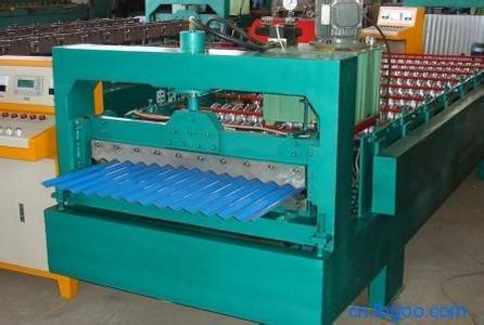 850型彩钢压瓦机
